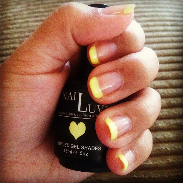 Whiskey Tipsy French Manicure #nails #manicure #French #Yellow
