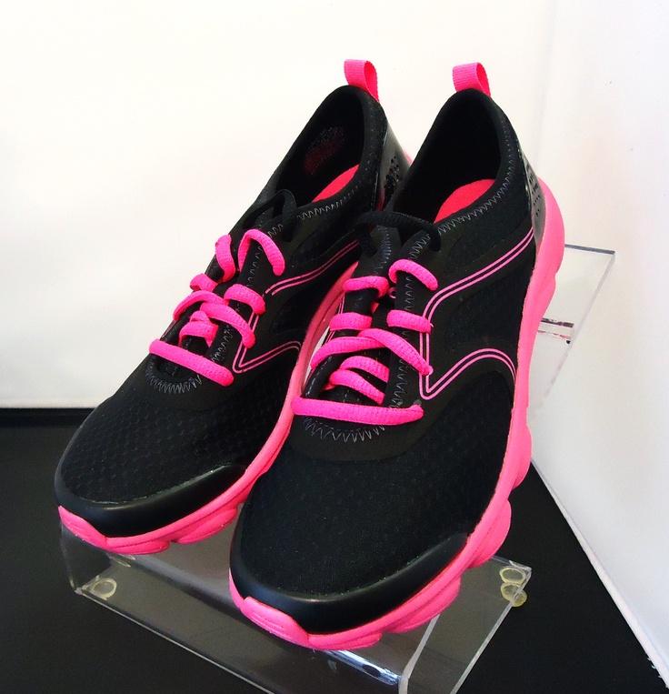 Easy Spirit Tennis Shoes
