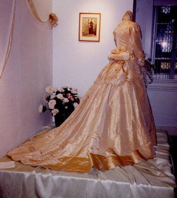 love vintage clothes!
