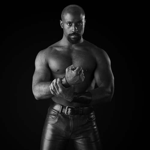 hot sexy leather gay muscles black man male fist fister fisting