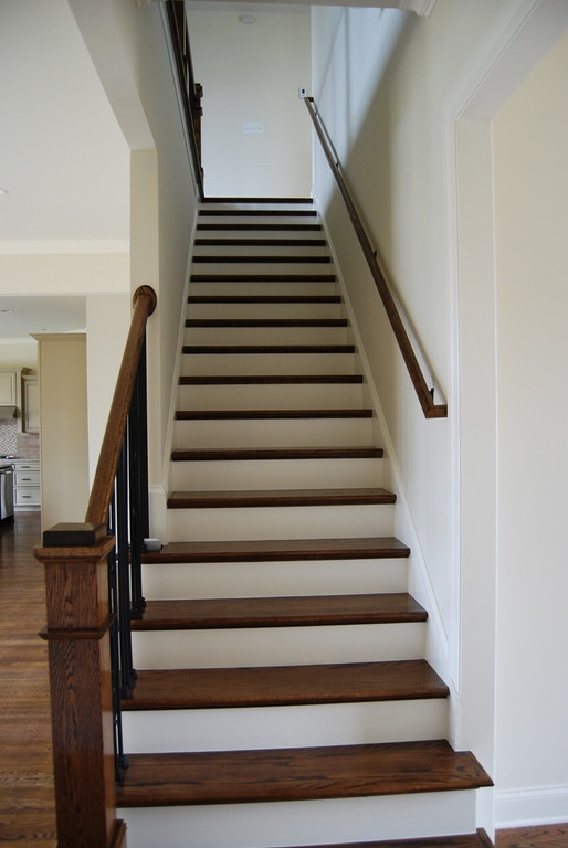 Best Stairs To A Basement No Carpet Launder Room Basement 400 x 300