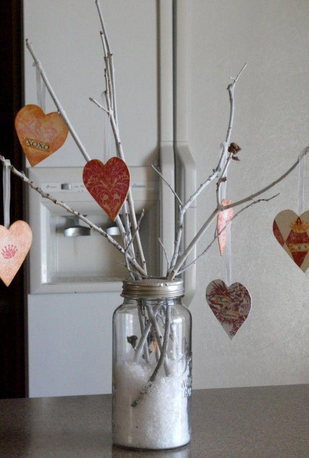Valentine's Tree - 30 DIY Valentine Decoration Ideas