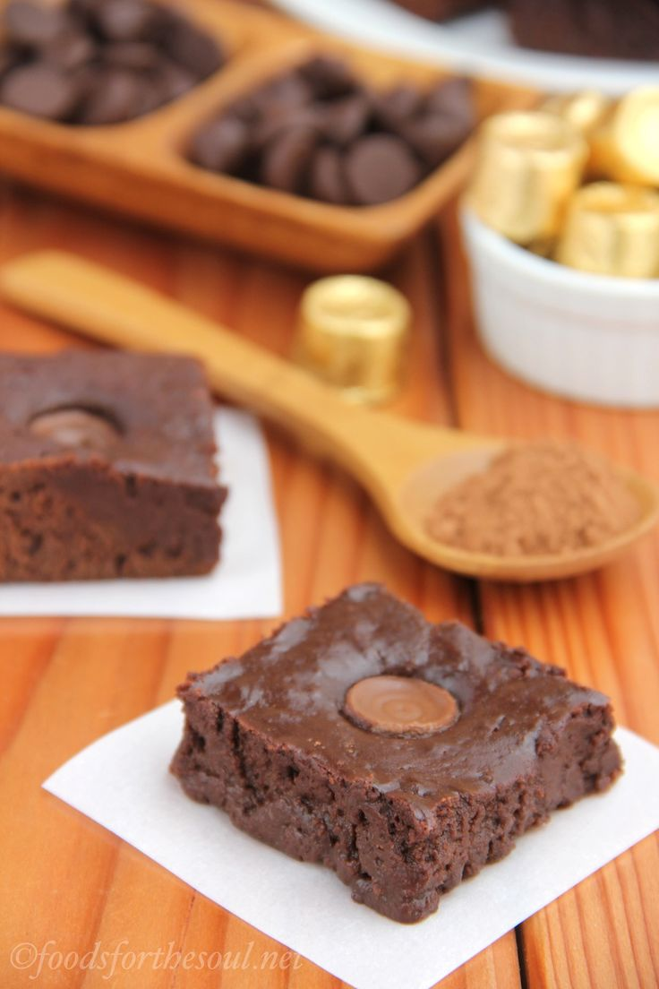 Gooey ROLO brownies...yup this is definitely on the to-do list.