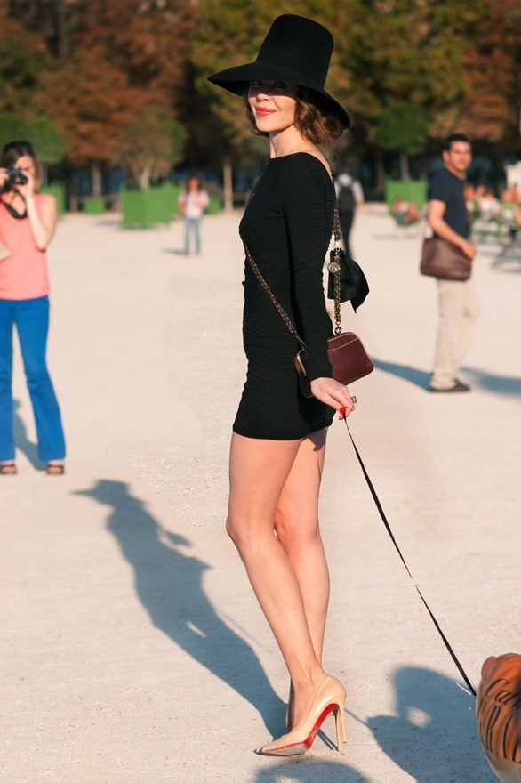 Black dress and nude pumps style board pinterest