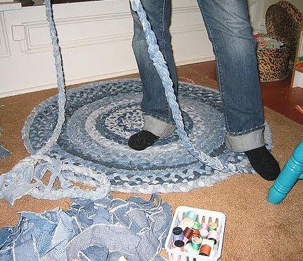 Коврик из джинсовых лоскутков своими руками