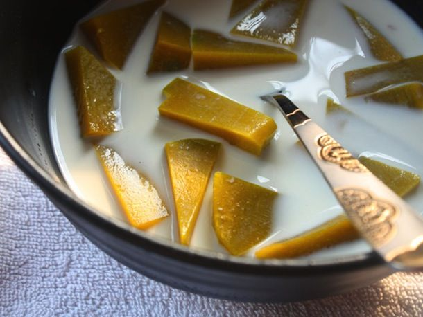 Pumpkin Glutinous Rice Balls In Sweetened Coconut Cream (Bua Loi Fak ...