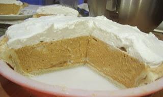 Pumpkin Chiffon Pie | food | Pinterest