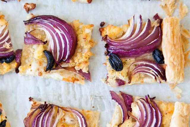 Red onion, olive and feta tart pizza dough??