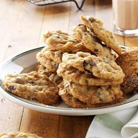 Cherry chocolate oatmeal cookies | FOOD - COOKIES, CANDIES, BREADS ...