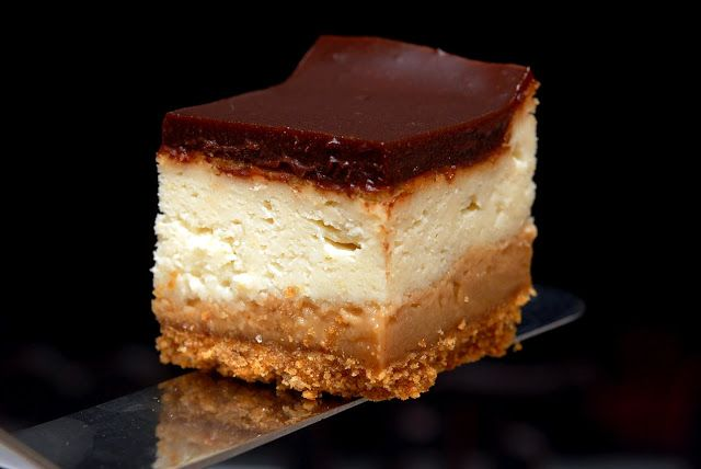 DULCE DE LECHE CHEESECAKE BARS | Dessert | Pinterest