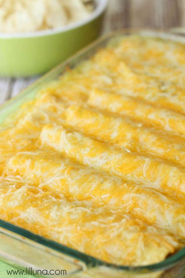 Easy Green Chile Enchiladas Recipe — Dishmaps