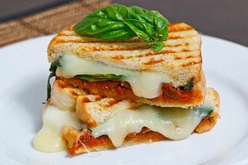 Sundried Tomato Pesto Grilled Cheese Sandwich | Recipe