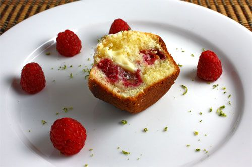 raspberry-and-lime-muffins