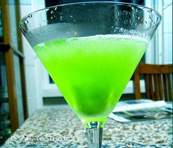 Neon green drink alcoholic drinks for the adults for Mixed drinks with green tea