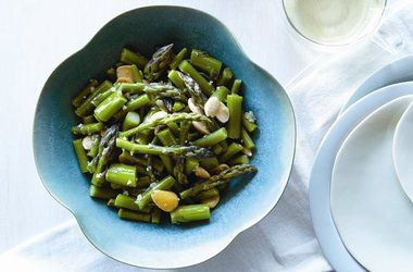 asparagus with miso dressing | Damn, that sounds tasty | Pinterest