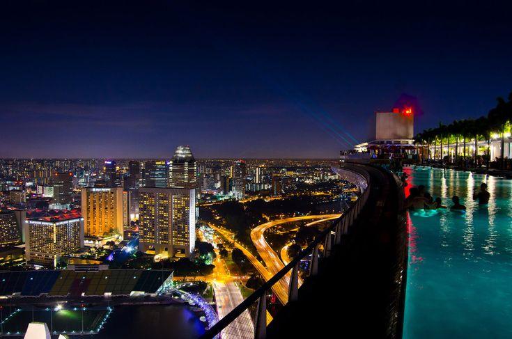 Singapore`s Sky Park pool