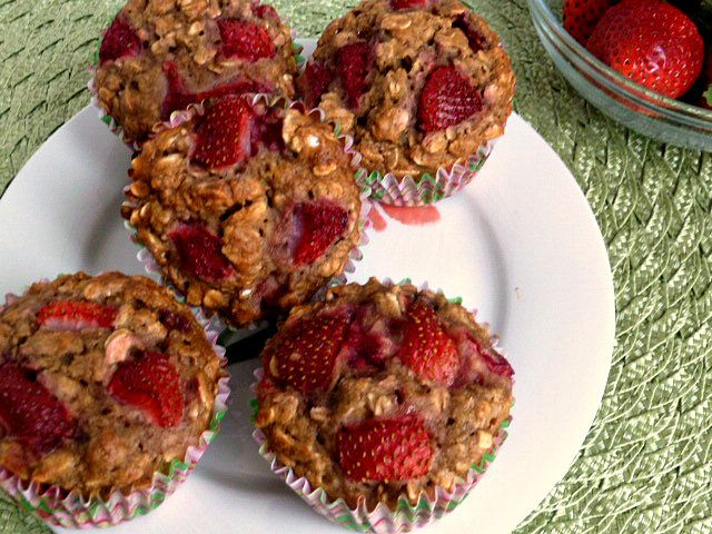 Strawberry Oatmeal Muffins | Delicious Recipes | Pinterest