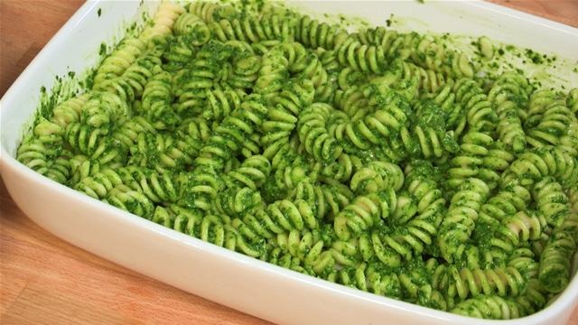 How To Make Spinach Pesto Pasta | eats | Pinterest