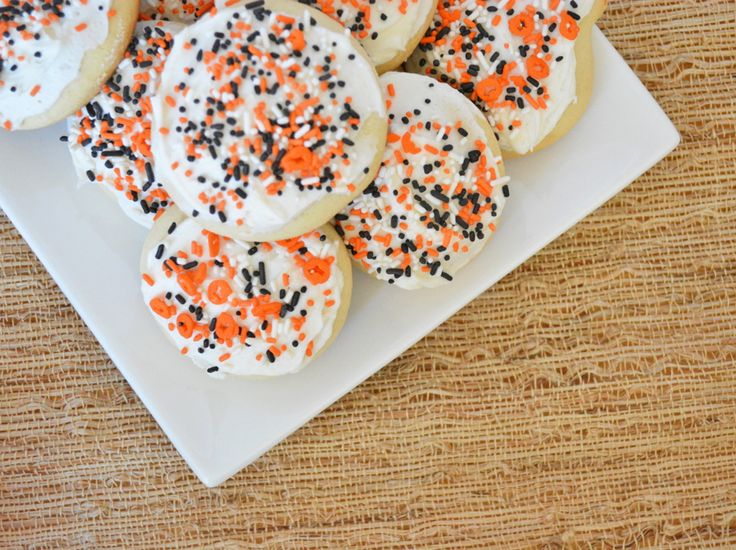 Lofthouse-Style Soft Sugar Cookies Copycat Recipe