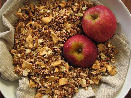 Apple cinnamon granola   Recipes I'd like to try   Pinterest