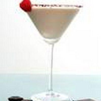 Raspberry Chocolate Cheesecake Martini | Adult Drinks | Pinterest