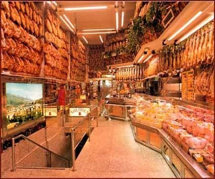 Museo del Jamon The HAM museum Teehee!  I left my soul here...  P…