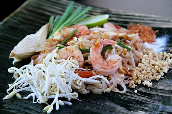 Making Pad Thai | hey, good looking | Pinterest