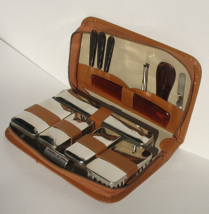 brown vintage men 39 s travel grooming shaving kit 13 pieces with leathe. Black Bedroom Furniture Sets. Home Design Ideas