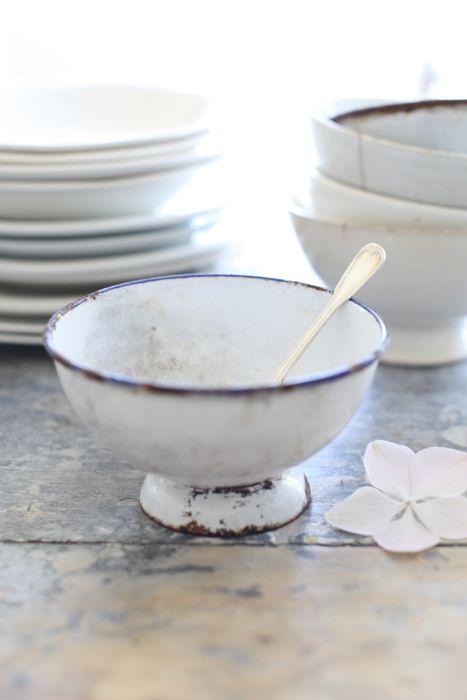 farmhouse dinnerware white