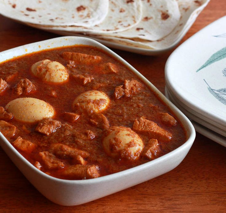 Authentic Ethiopian Doro Wat (Spicy Chicken Stew) / daringgourmet.com