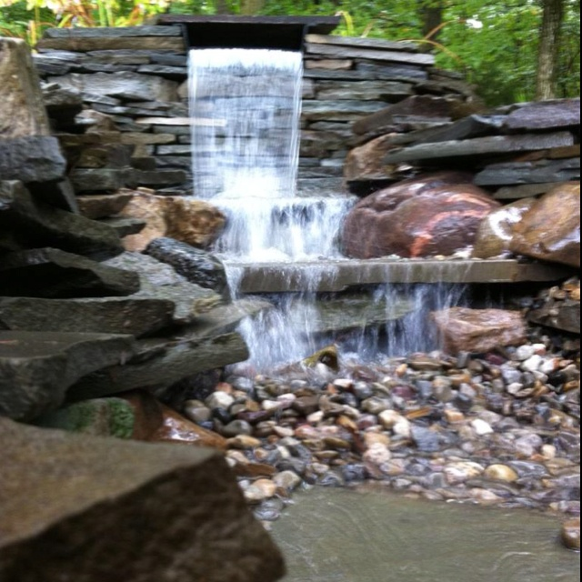 Pondless waterfall installation garden fountains and for Garden waterfalls do it yourself