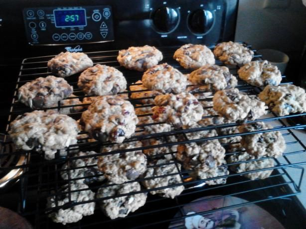 Trail Mix Cookies (chocolate chip, oatmeal, craisin - I used sunflower ...
