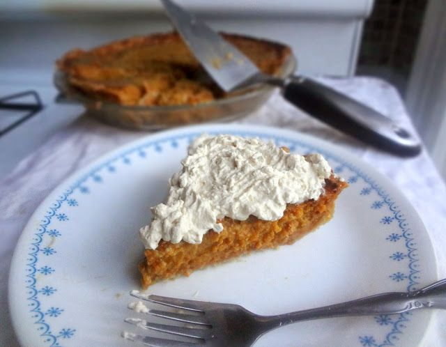 Pumpkin Pie with Whole Wheat Crust and Cinnamon Caramel Whipped Cream ...