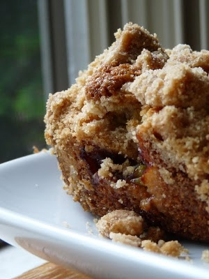 re-pinning for @Amber Foust Fagan BIG crumb coffee cake with rhubarb ...
