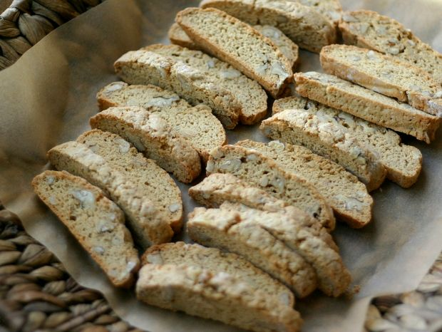 Walnut Biscotti | Everyday Maven. Note: Uses white whole wheat ...