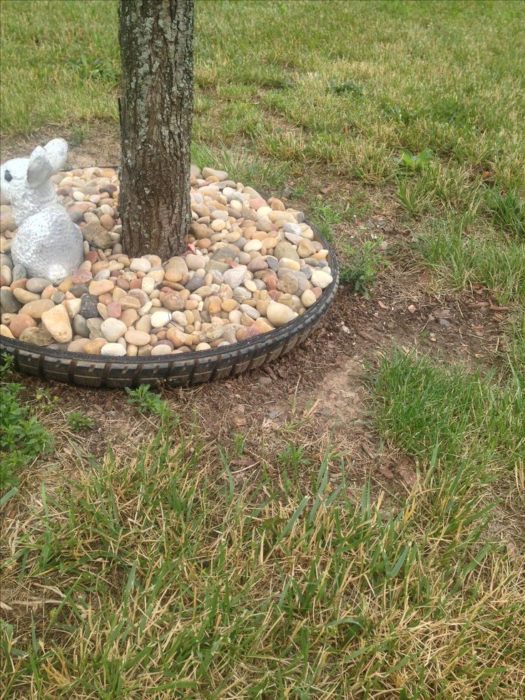 Landscaping With Tires : Used tire as edge for mulch yay a use those old tires