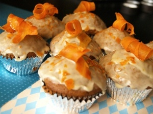 Carrot Cupcakes with Orange Icing | Cupcakes | Pinterest