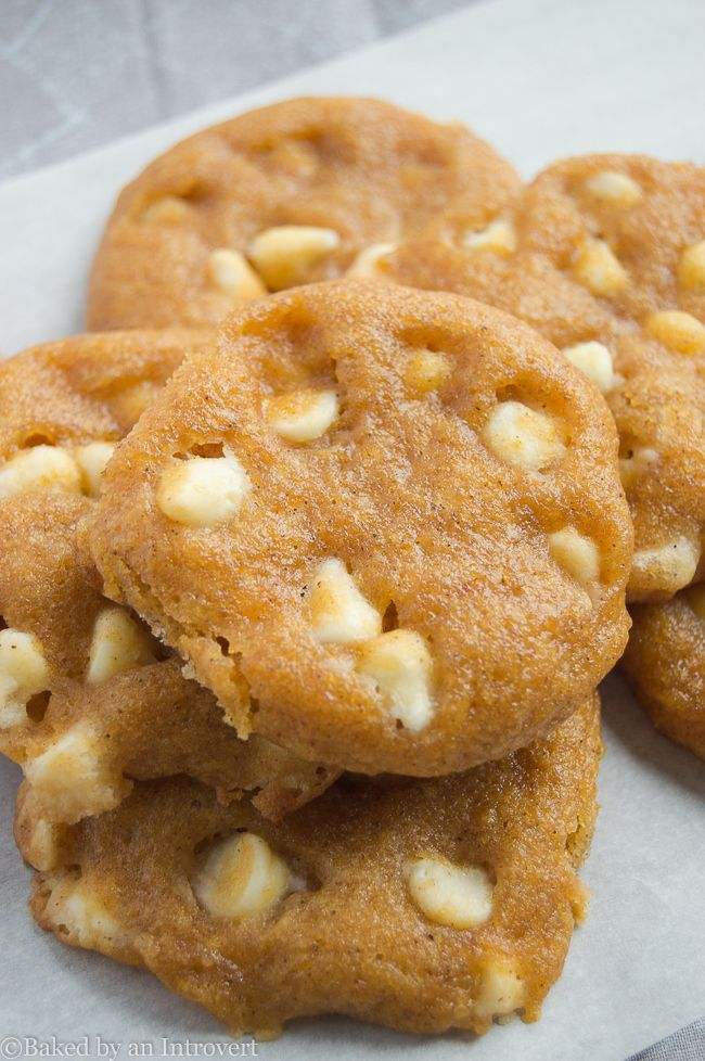 ... full of white chocolate chips, and pumpkin pie spice. @jensbakeblog
