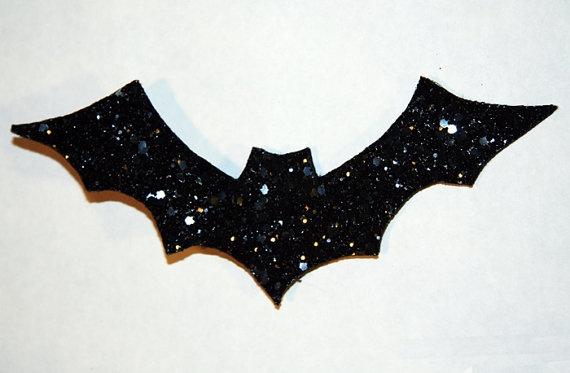 bat, hair clip