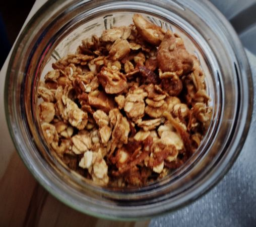 homemade maple cashew granola | (Mostly) Savory Food | Pinterest