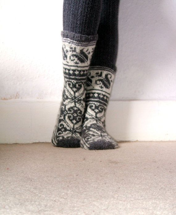 Hand-knitted Grey White Wool Socks Scandinavian Norwegian Fairisle Floral Christmas Nordic (EU 39)
