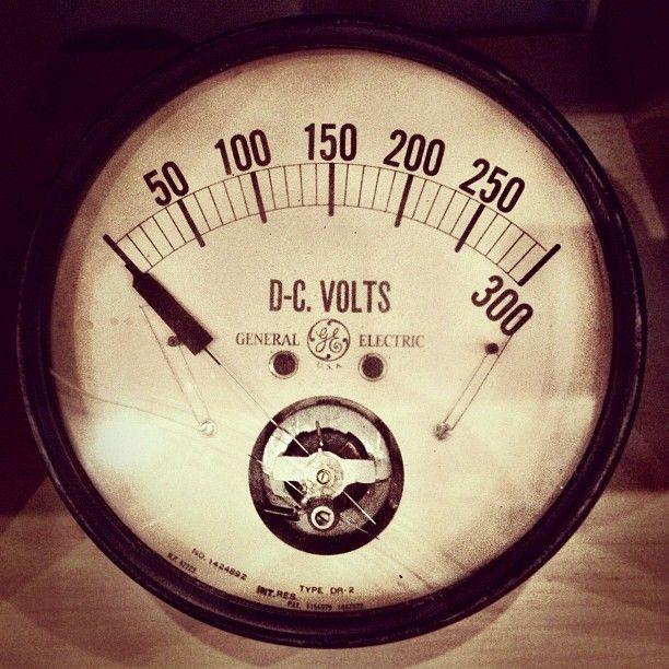 """this one goes to 300"" #ge #retro #viintage #gauge #volts #meter #voltage #cameraplus #needle #dc - @alphabetarm- #webstagram"