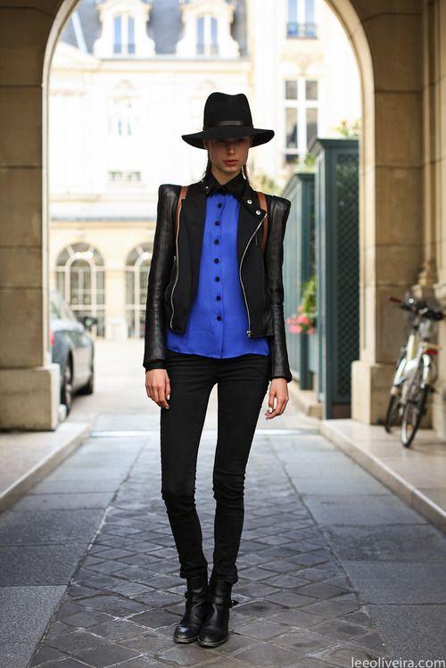 on the street in Paris. #ItJustWorks via leeoliveira.com