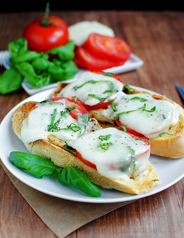 Chicken Caprese Sandwiches - with or without the marinara sauce, this ...