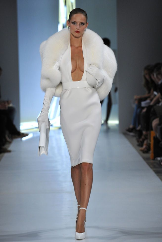 Alexandre Vauthier Couture: Sexy Fur  (wish it was faux)