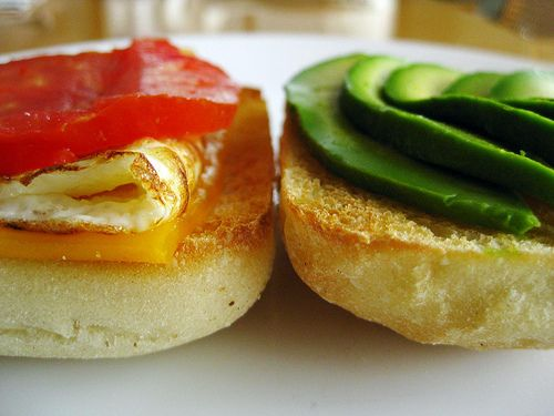 ... of the week(end): fried egg with heirloom tomato, avocado, cheddar