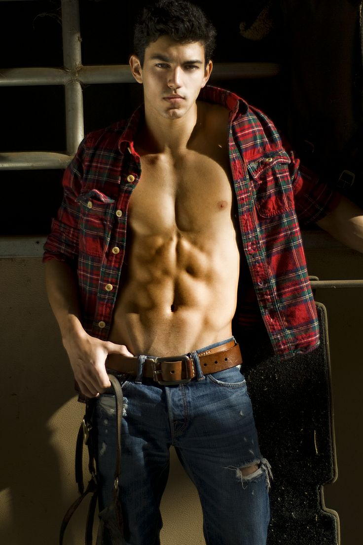 how to wear a guys plaid shirt
