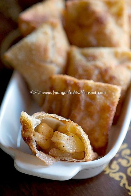 Fried Wontons with Honey Crisp Apple Filling. Now THAT looks tasty!