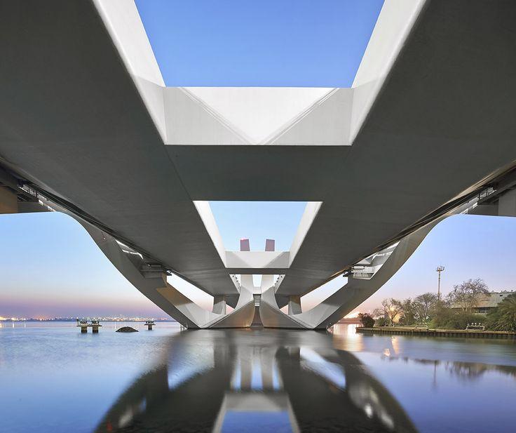 Zaha Hadid vodeći arhitekta sveta i njeni projekti 723a568829e212aeb30a3a1a5d13aadc