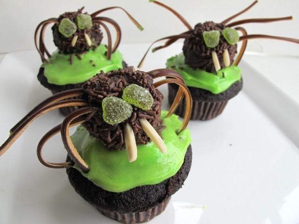 Chili Chocolate Spider Cupcakes -Serious Eats..Yikes look at those ...